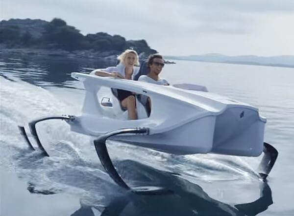 水上バイクもエコロジー 電動水上バイク『クアドロフォイル』|boaters Jp